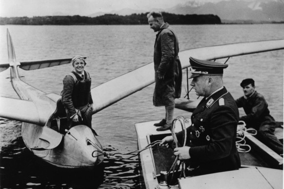 Hanna Reitsch | Hanna Reitsch mit Wasserflugzeug 1936 - Hanna Reitsch with Seeadler ...