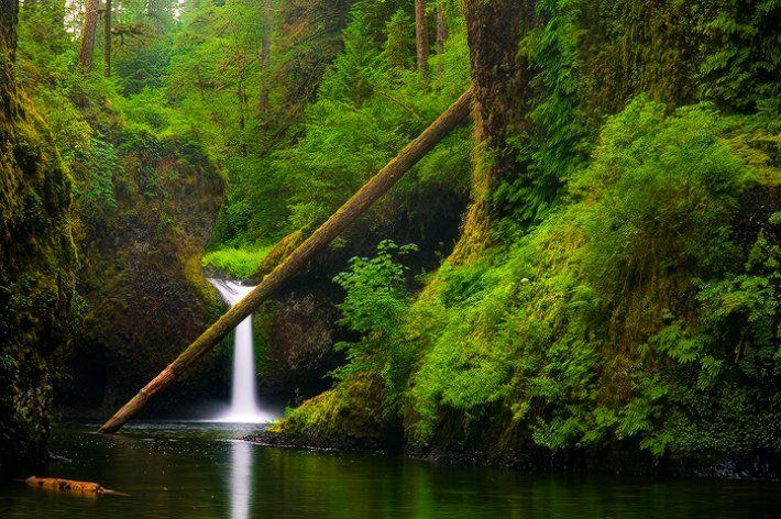 Punch Bowl Falls, Oregon - emmanuelcoupe.com