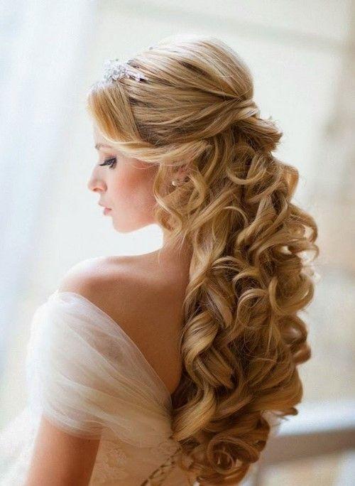 Eleganz beherrscht den Ball  Die schönste Frisur für den Abschlussball #abs