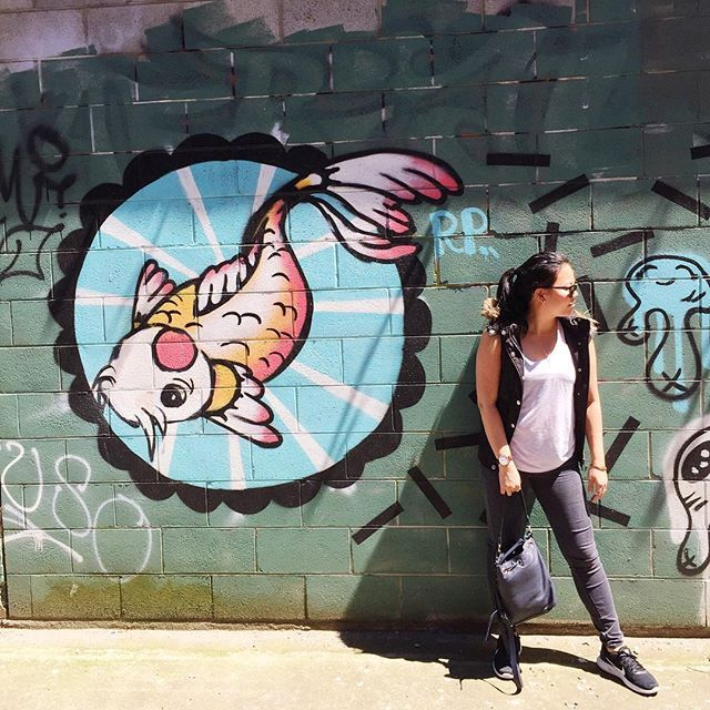 Take a moment to stop and admire the beauty around you. (And maybe stop to strike a pose infront of it) #melbourne #hiddencafe #richmond #graffiti #wallart #koi