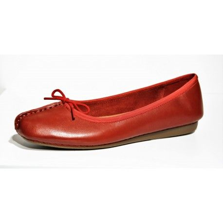 Nouvelle collection Clarks ballerine Freckle Ice rouge www.cardel-chaussures.com
