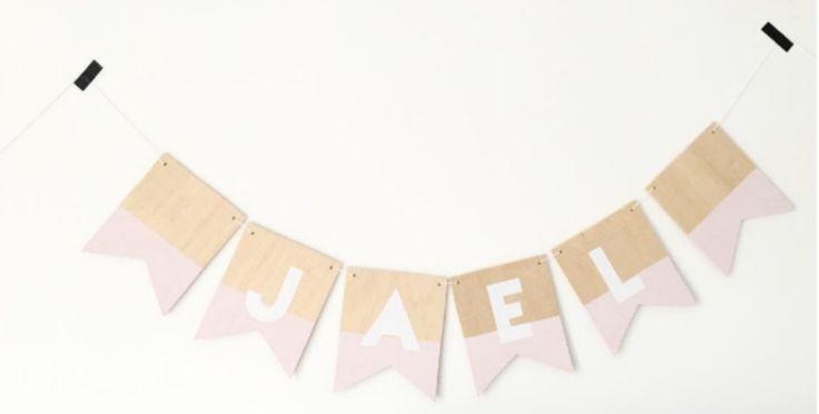 HOUTEN VLAG - met letter roze