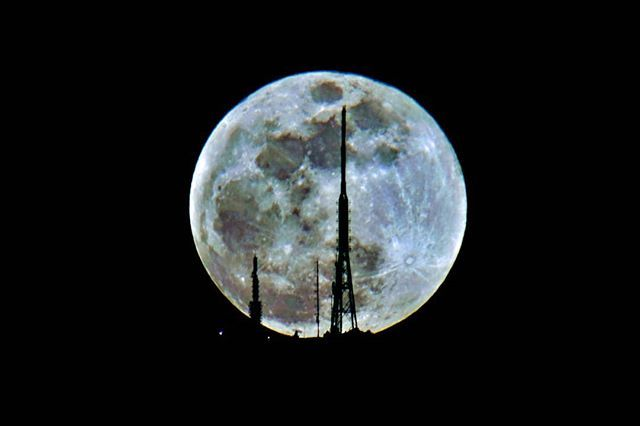 Blue moon :) me likey  #bluemoon #photography  #bluemoon #moonlight #moon #greece