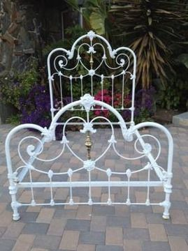 iron heart beds | 750ANTIQUE Heart Shaped Victorian Iron/brass Bed in Los Angeles ...