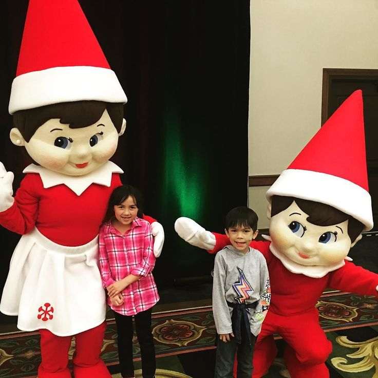 Hanging out with the elves from Elf on a Shelf. They are also part of the @gaylordtexan  Lonestar Christmas. Get your chance to meet them at a special character breakfast! @elfontheshelf #elfontheshelf Costs extra but you can see this including #ICE for the next 50 days. @DFWSingleMom has a discount for ICE using promo code singlemom #dallas #christmasindallas #dallaskids #igkids #instakids #texas #grapevine #visitgrapevine AD