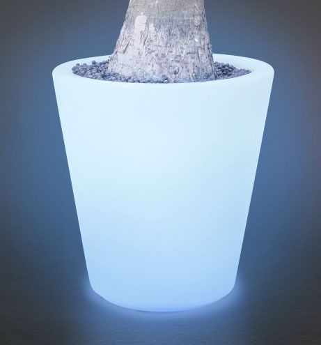 http://hireeventfurniture.wordpress.com/2013/10/16/lighting-and-furniture-for-your-event/