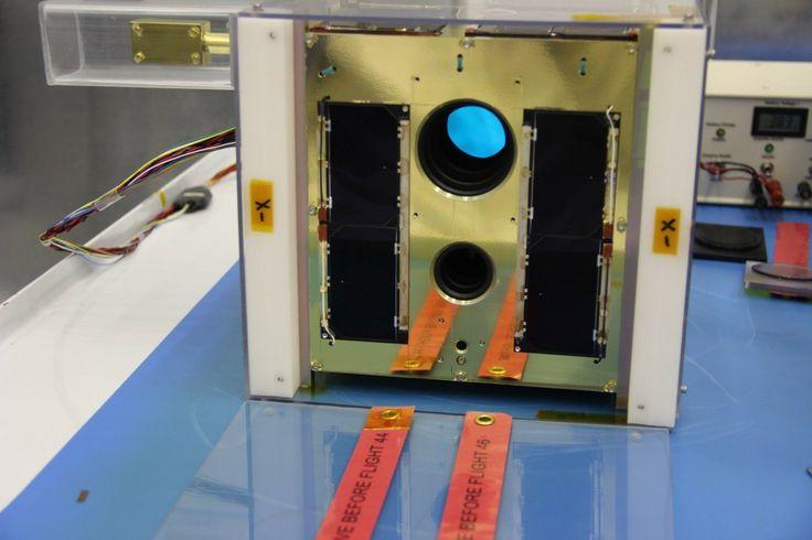 2 nanosatellites mis en orbite par le Canada
