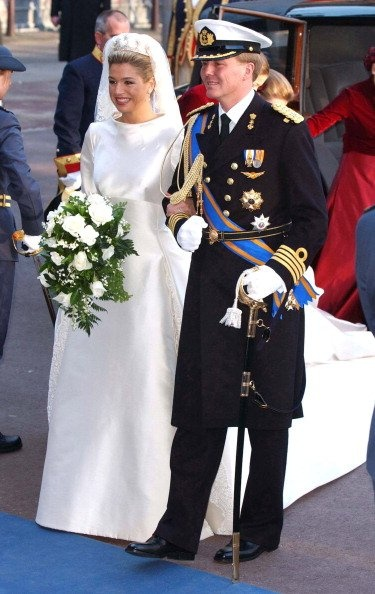 Who is Princess Maxima? | Photo Gallery - Photo by: Getty Images Her wedding dress was nothing short of spectacular: For her 2002 wedding to Willem-Alexander, Maxima wore a long-sleeved cowl-necked gown made of ivory Mikado silk. Breathtaking!