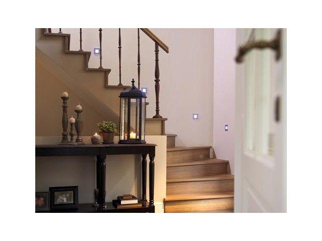 Houten trap landelijk interieur binnendeuren en trappen - Hout deco trap ...