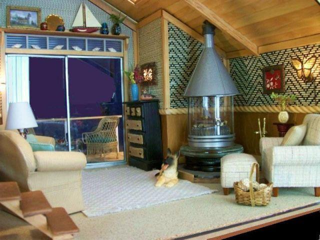 Attractive Dollhouse Beach House