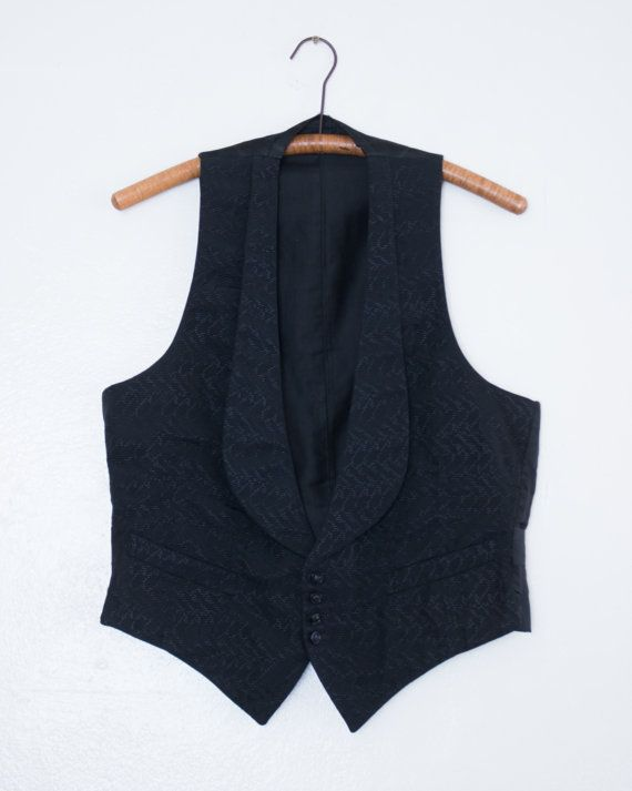453.30 kr. antique silk waistcoat  M by BabyStrangeVintage on Etsy