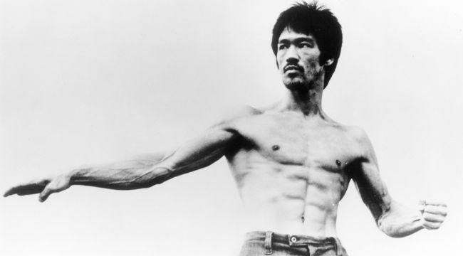 Bruce Lee PHOTOS.   :)