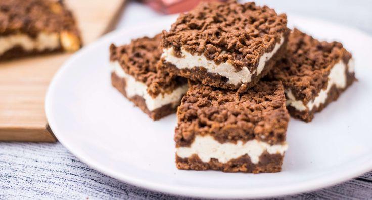 Reszelt túrós recept: Egyszerű, gyorsan elkészíthető, finom csemege. Ez a reszelt túrós süti recept az egész család nagy kedvence. Kezdő háziasszonyoknak is jó szívvel ajánlom. Nagyon finom, és nagyon egyszerű!
