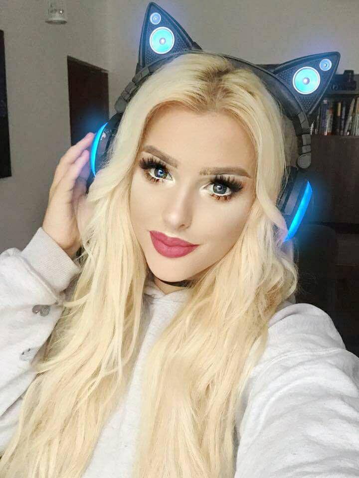 gamer girl, axent wear, cat headphones, kitty ears, gamer, cute