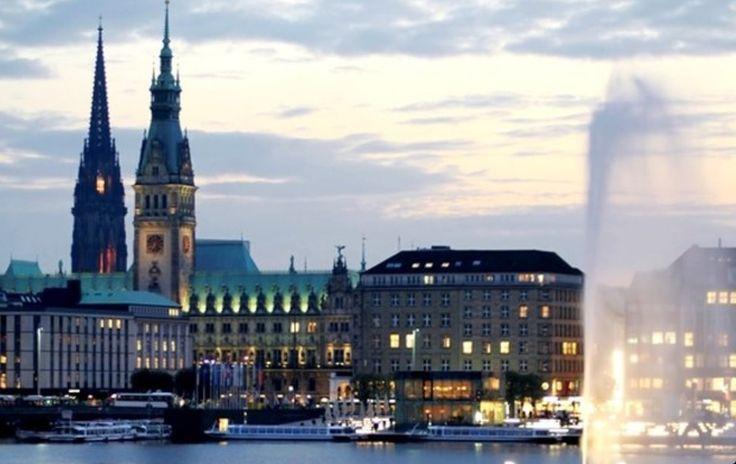 Rathaus & Binnenalster, Hamburg, Germany