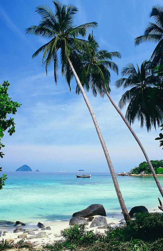 Pulau Perhentian Besar, Malaysia. Follow us @SIGNATUREBRIDE on Twitter and on FACEBOOK @ SIGNATURE BRIDE MAGAZINE