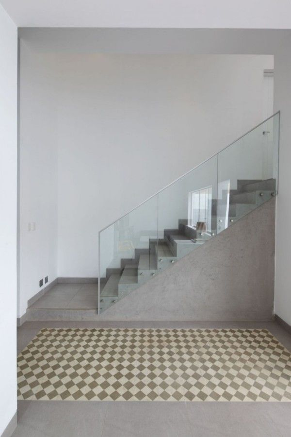 Modern Stairs Case Interior from Contemporary House Design Ideas With View Of The Beach 600x900 Contemporary House Design Ideas With View Of The Beach