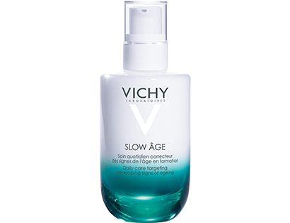 Slow Age, le premier soin anti-âge de Vichy avec un SPF 25 qui ralentit l'apparition des signes de l'âge pour une peau éclatante de santé et de jeunesse.