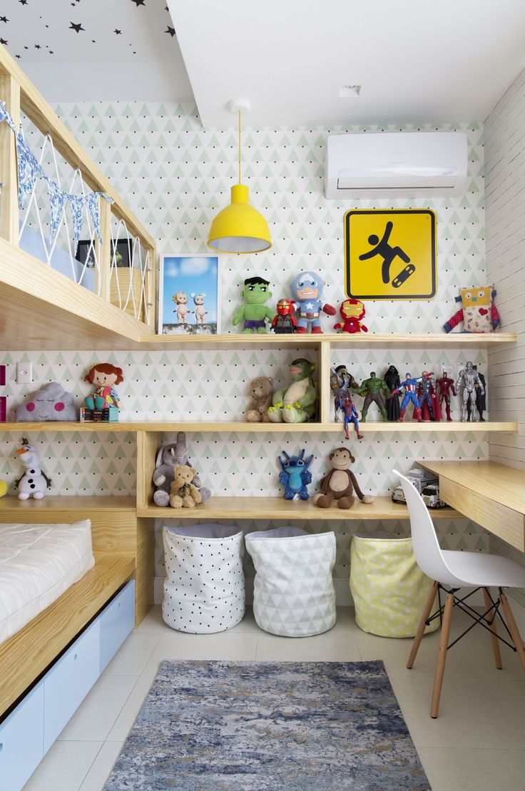 Children's room with custom-made joinery