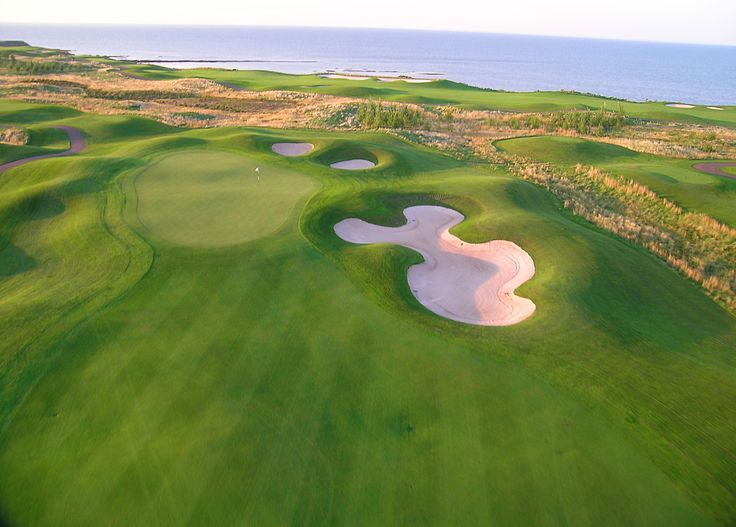 Golf against the gorgeous backdrop of the Atlantic Ocean at Fox Harb'r Resort.