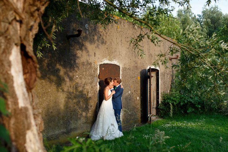 Bruiloft Paviljoen Puur, prachtige zonsondergang shoot met een superlief stel.