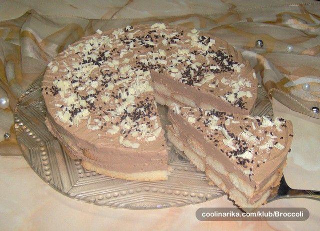 Nechce se vám péct a snědli byste něco sladkého a chutného? Připravte rychlý nepečený dort z těch nejlepších a nejoblíbenějších surovin, kterými jsou čokoláda a piškoty.