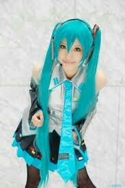 This is what i wanna be for halloween and best of all its Hatsune Miku