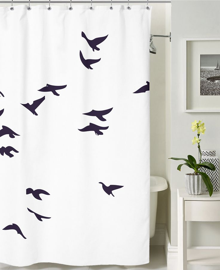 Let the birds fly! Use the big shower curtain surface to style your bathroom.