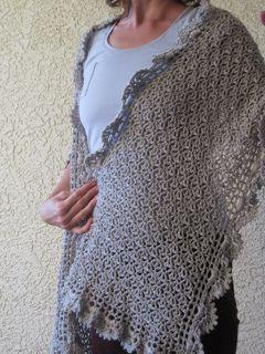 Silver Bells Shawl, free pattern by Lara Sue