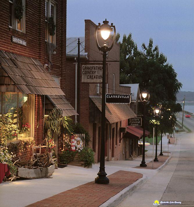 The 10 Most Beautiful Towns in Virginia ~ Clarksville Chamber of Commerce © Sheila Cuykendall