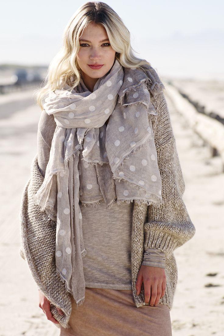 #FolliediGarbo grof gebreid vest #trends #fashion #fall16 #winter17 #oversized #comfy