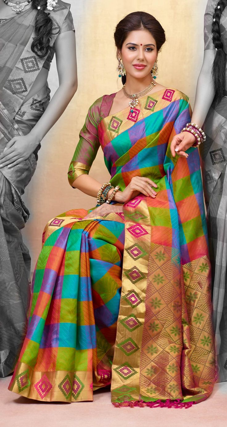 Buy Online traditional silk sarees. BTSS7266