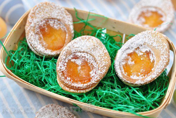 Пасхальное печенье в виде яиц