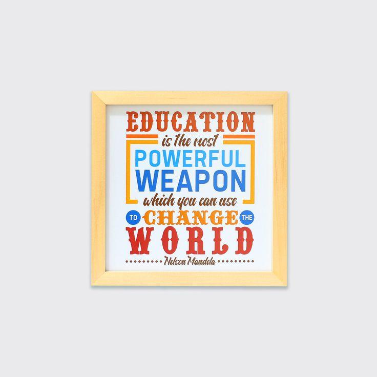 Education Can Change The World (MAR16-04) - Bersekolah setinggi mungkin dan kejarlah terus cita-citamu! Hiasan dinding ini bisa memberikan semangat untuk sang buah hati yang sedang bersekolah, jadikan ini sebagai ungkapan kasih sayangmu padanya.