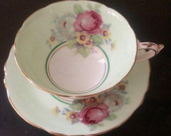 Vintage Paragon taza de té verde de menta y platillo Set/lavanda y rosa rosa Spray/hecho en Inglaterra fina porcelana china