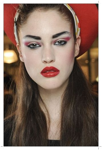 Make up Trends for Spring / Summer 2013 : Lip bright red lipstick