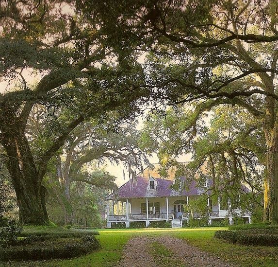 Outfit A Southern Plantation Style Home: 25 Best Images About Louisiana Homes On Pinterest