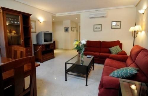 Apartamentos Caballero de Gracia - #Apartments - $95 - #Hotels #Spain #Madrid #MadridCityCenter http://www.justigo.co.uk/hotels/spain/madrid/madrid-city-center/caballerodegraciamadrid_30891.html