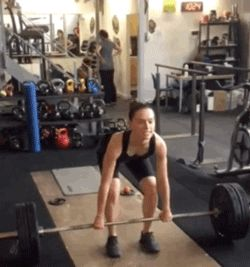Daisy Ridley dead lifting 176 lbs like a boss