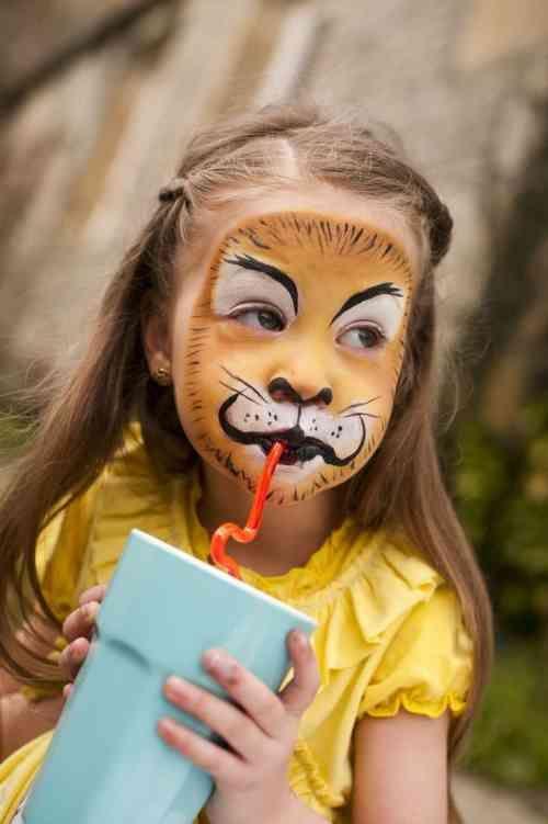 maquillage d'enfant facile : lion pour Halloween