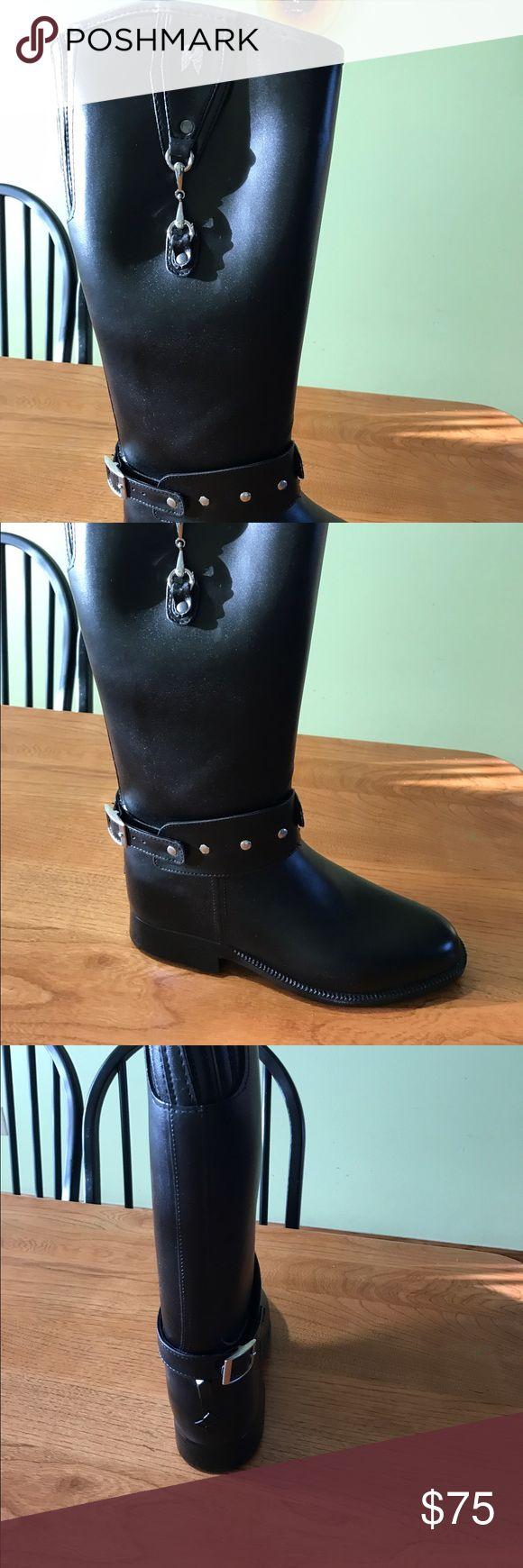 Dav weatherproof insulated boot Black, insulated, waterproof. Brand new. Dav  Shoes Winter & Rain Boots