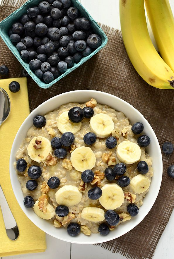 Blueberry Banana-Nut Oatmeal is easy, gluten-free, and full of fiber and antioxidants. Ready in just 6 minutes, it's the perfect breakfast recipe to begin your day with.  | iowagirleats.com
