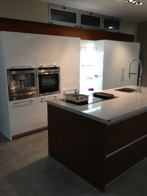 EQUIPAMIENTO NEFF: Kitchens, Images From, You Can Buy, Aller Álvarez, Equipamiento Neff, 985 78