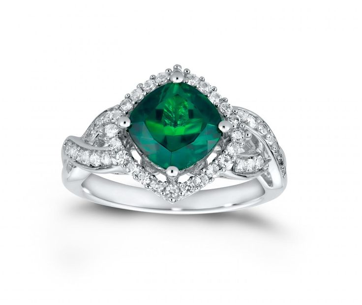 CUSHION CUT CREATED EMERALD