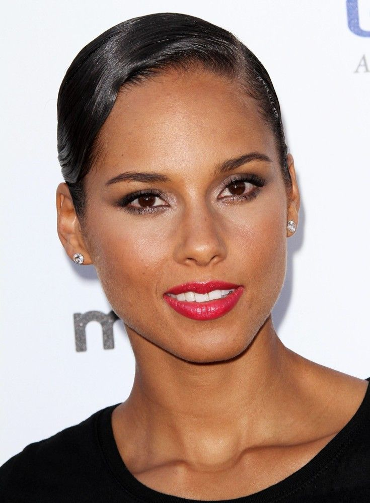Alicia Keys - This is who I want to look like when I grow up  :)