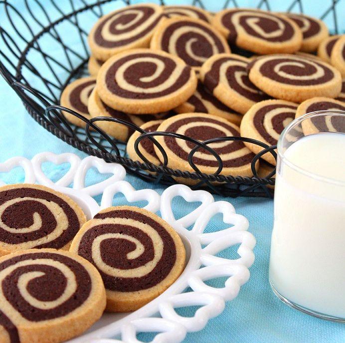 SugaryWinzy Chocolate Pinwheel Cookies19