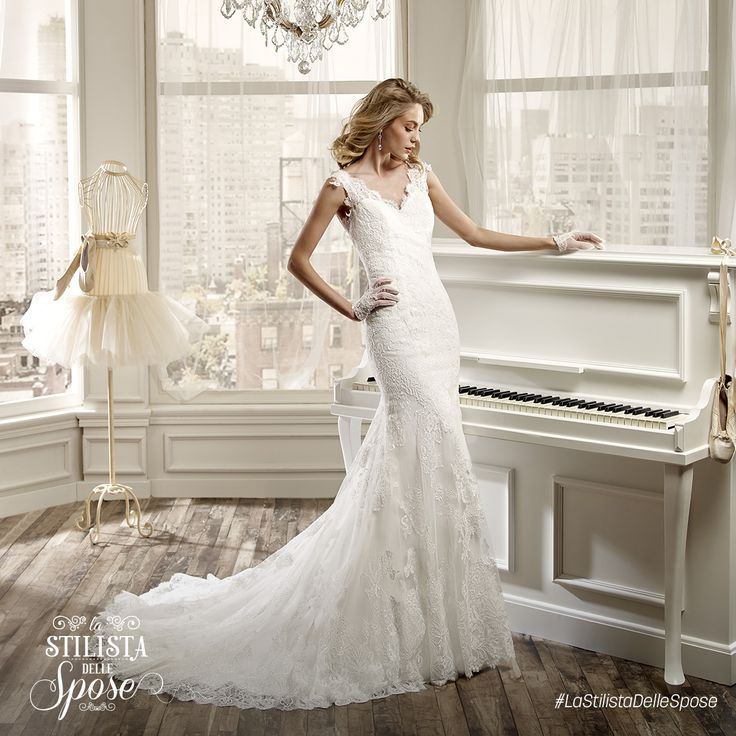 Episodio 2 - L'abito indossato da Ilaria, una frizzante sposa ballerina. Wedding Nicole dress 2016 collection.  http://www.nicolespose.it/it/abito-da-sposa-Nicole--NIAB16103-2016 #Nicole #collection #nicolespose #alessandrarinaudo #wedding #flower #flowers #abitidasposa #bianco #white #weddingdress #sposa #bride #brides #bridal #LaStilistaDelleSpose #realtime