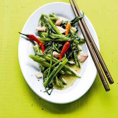 Wasserspinat mit Chili und Knoblauch (Pak Bung Fai Däng) Recipe - leichte küche mit fleisch