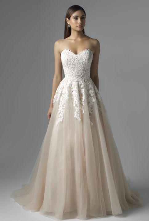 Mia Solano wedding dress #vestidodenovia | #trajesdenovio | vestidos de novia para gorditas | vestidos de novia cortos http://amzn.to/29aGZWo