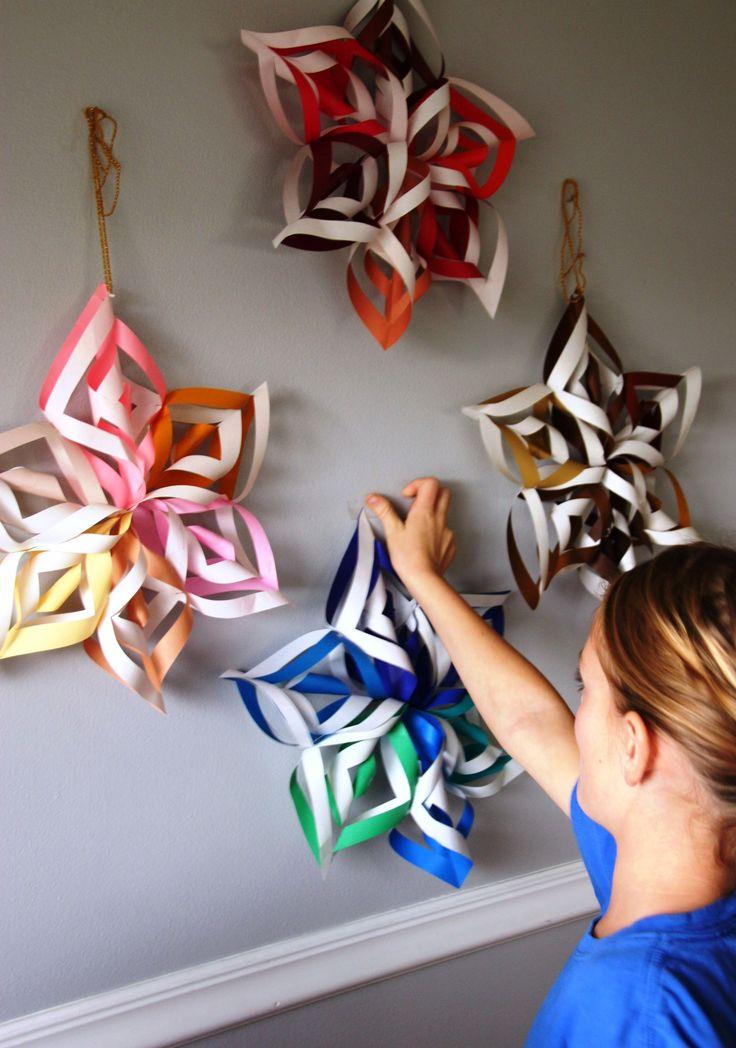 Papírové vánoční ozdoby,papírová hvězda, návod na hvězdu, jak vystřihnout hvězdu z papíru,, vánoční , koledy, návod jak vyrobit papírové vánoční ozdoby, návody, tvoříme, vánoční dekorace, papírový stromeček, tvoříme s dětmi, papírové koule, koule z papíru